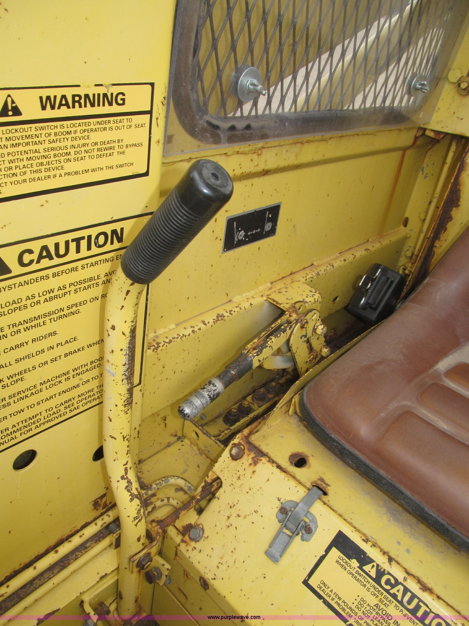 1979 New Holland L425 skid steer | Item B5495 | SOLD! July 1
