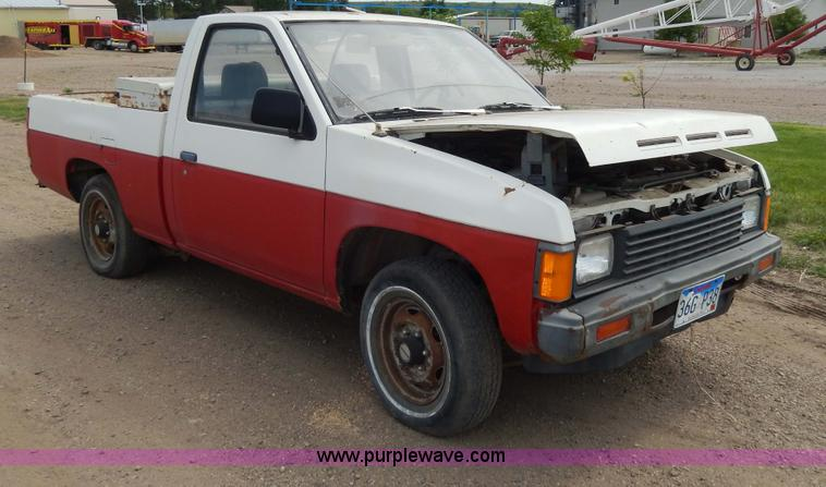 1986 Nissan pickup truck | Item H3099 | SOLD! Construction R