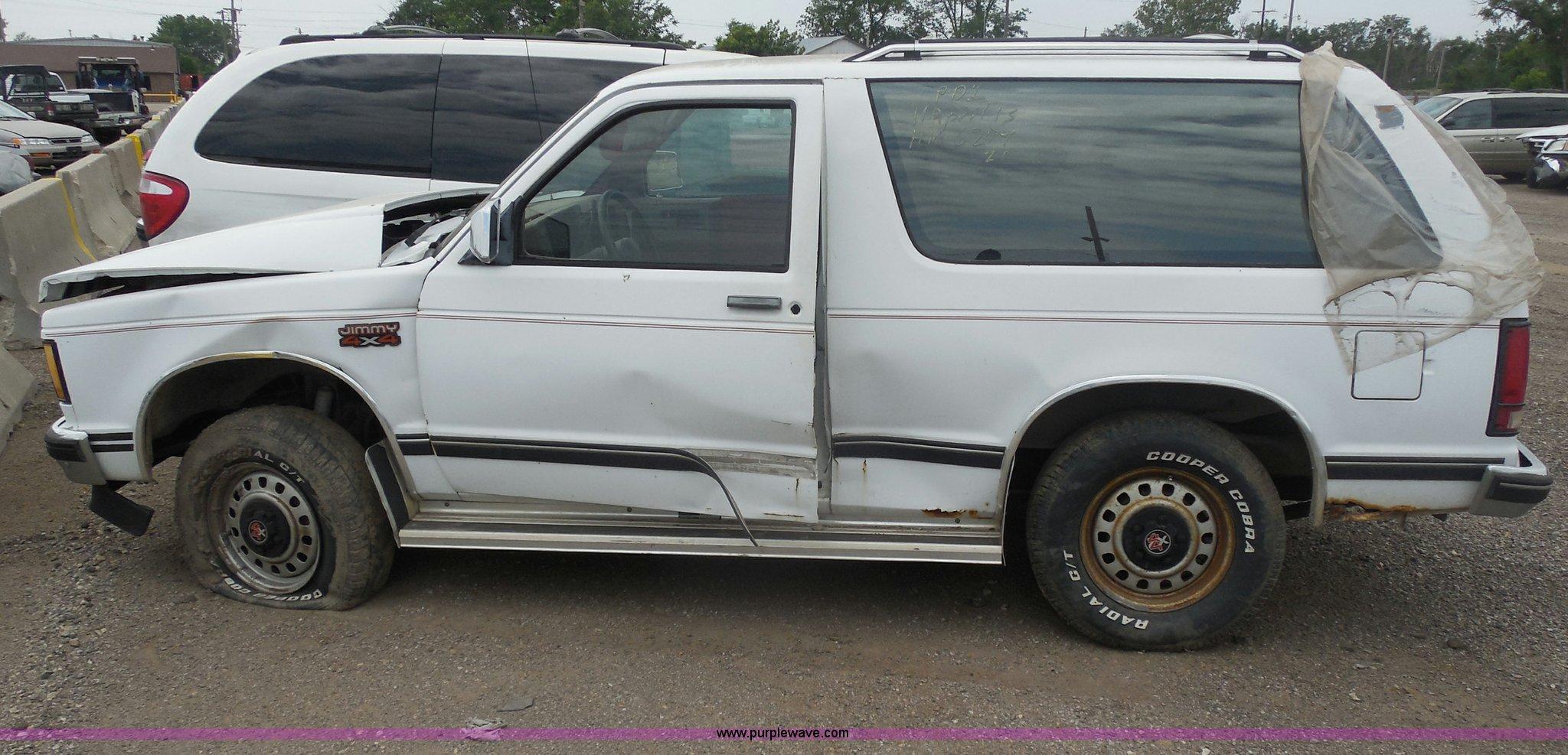 1988 GMC S15 Jimmy SUV | Item H9975 | SOLD! July 23 City of