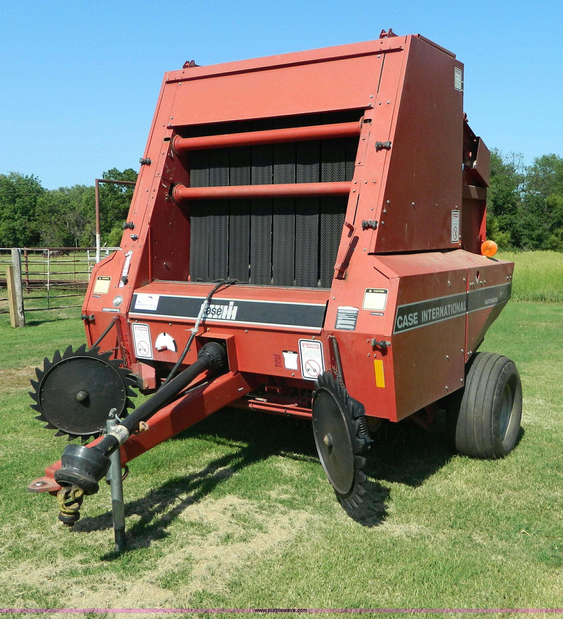 1994 Case IH 8465 round baler | Item G7890 | SOLD! July 31 A