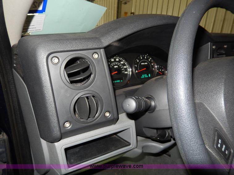 2006 Jeep Commander SUV<br />Non-repairable title, parts onl