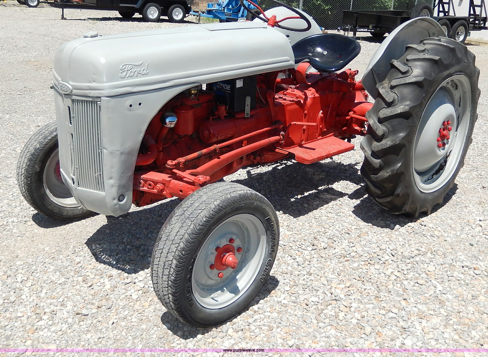 I4453 image for item I4453 1949 Ford 8N tractor
