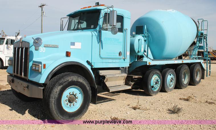 1993 Kenworth W900 Oilfield Fabricated Cement Mixer Truck