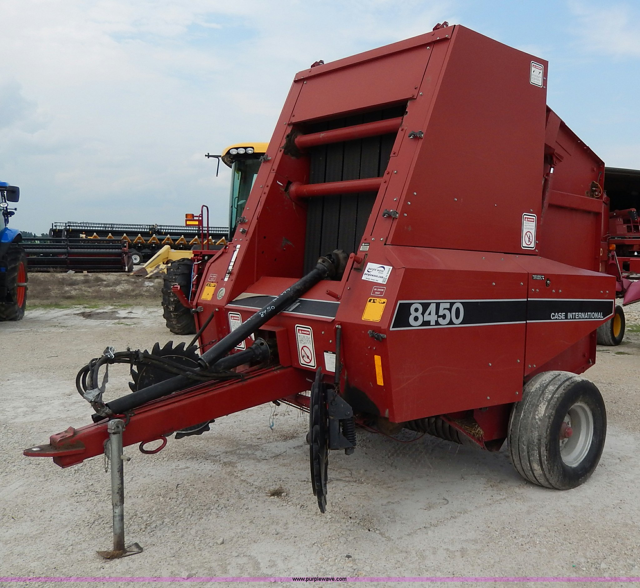 1988 Case IH 8450 round baler | Item H3005 | SOLD! August 28