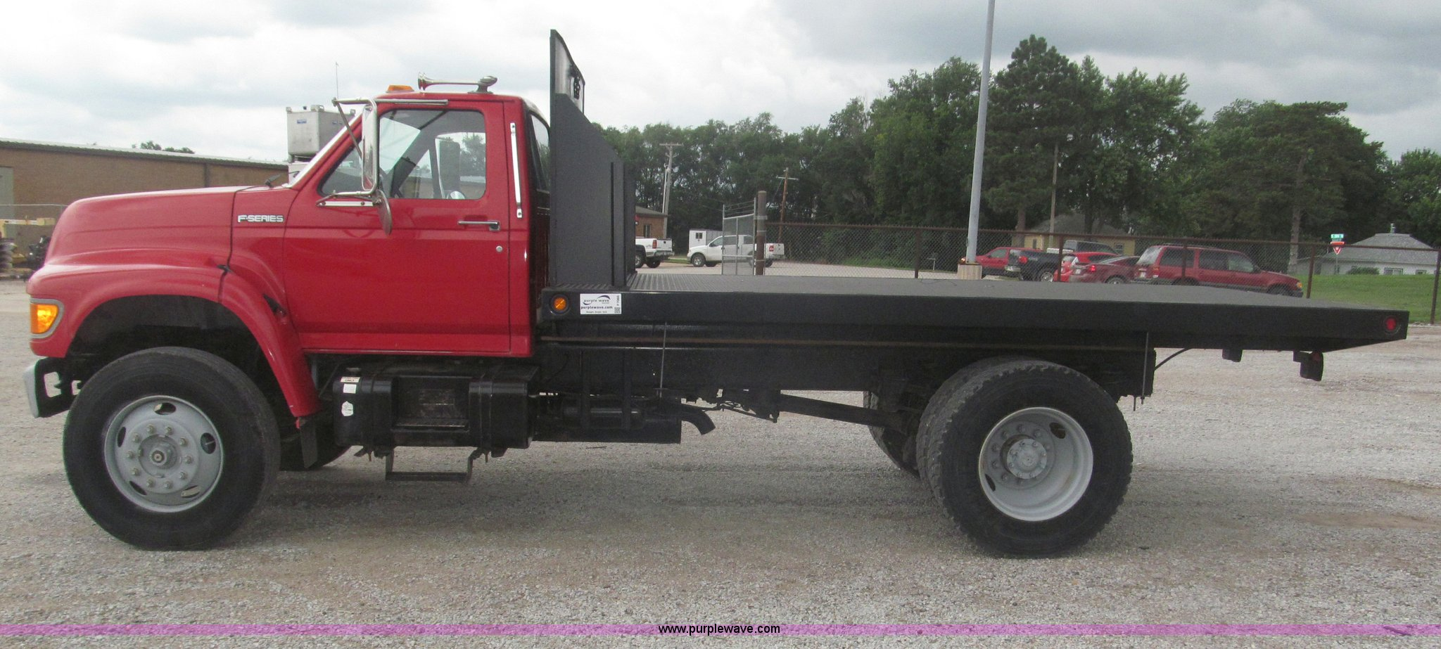 ... 1999 Ford F800 flatbed truck Full size in new window ...
