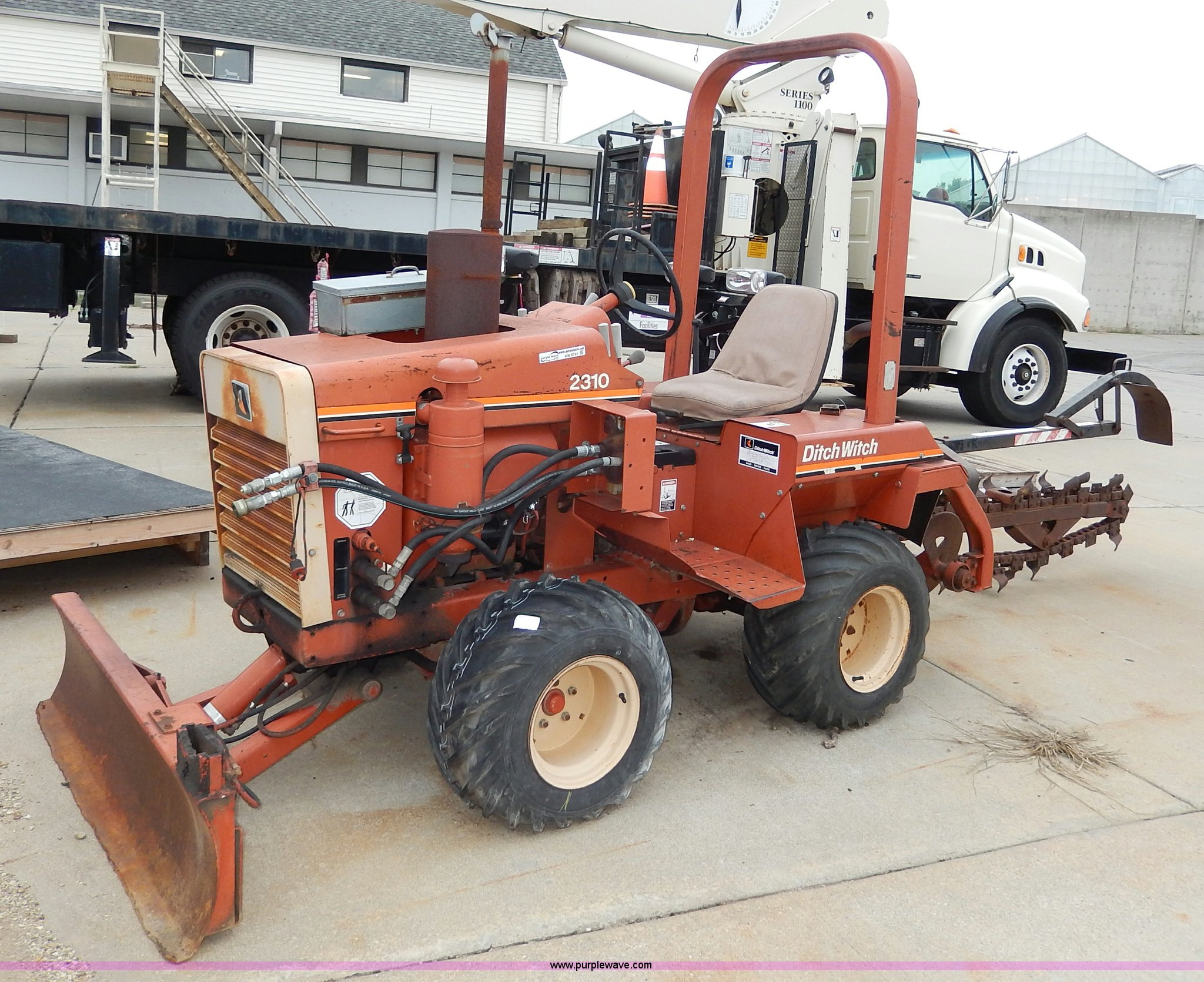 1988 ditch witch 2310 trencher item aw9741 sold septemb rh purplewave com ditch witch 2310 service manual ditch witch 2310 repair manual