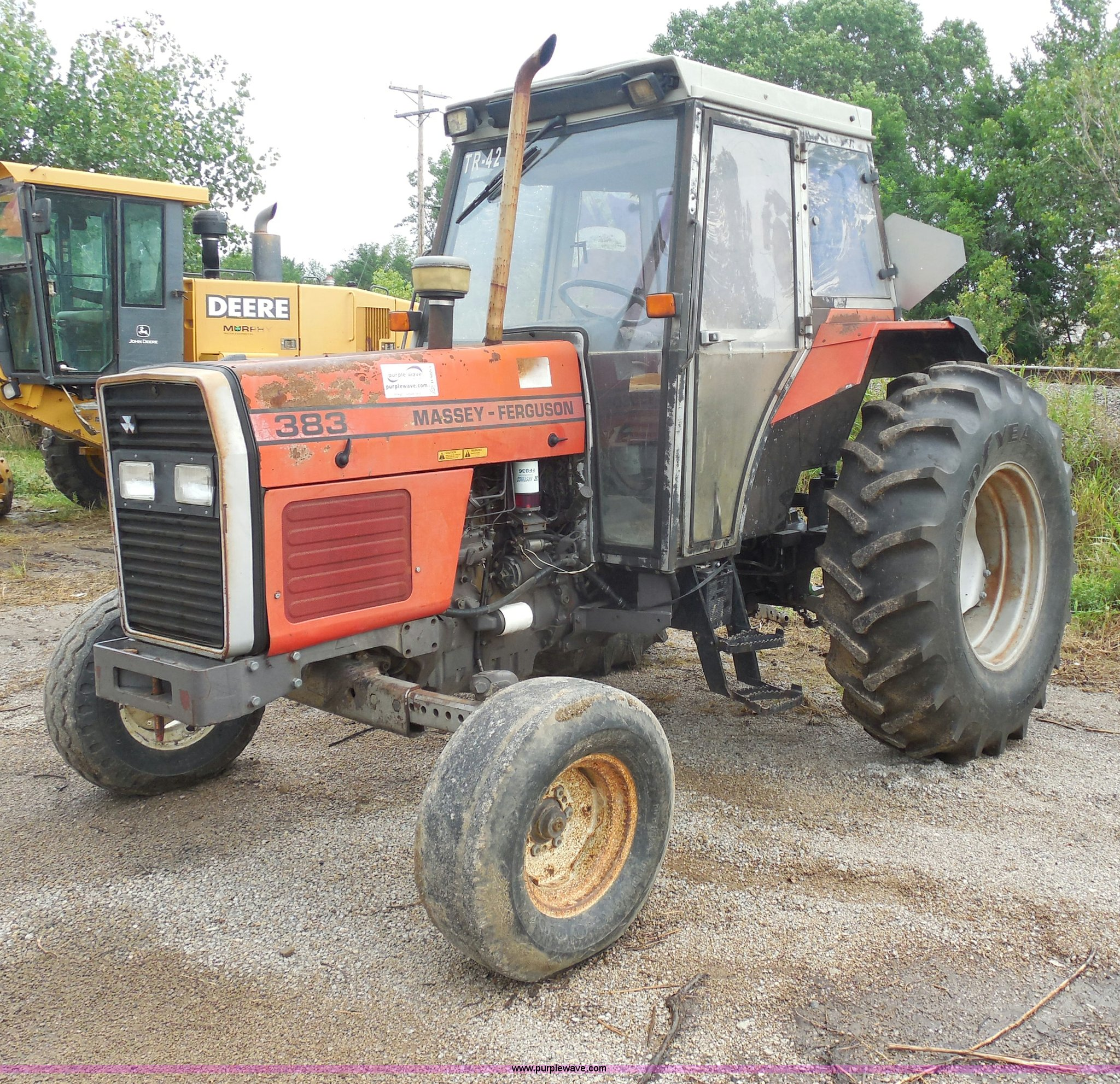 Massey-Ferguson 383 tractor | Item H9853 | SOLD! September 1