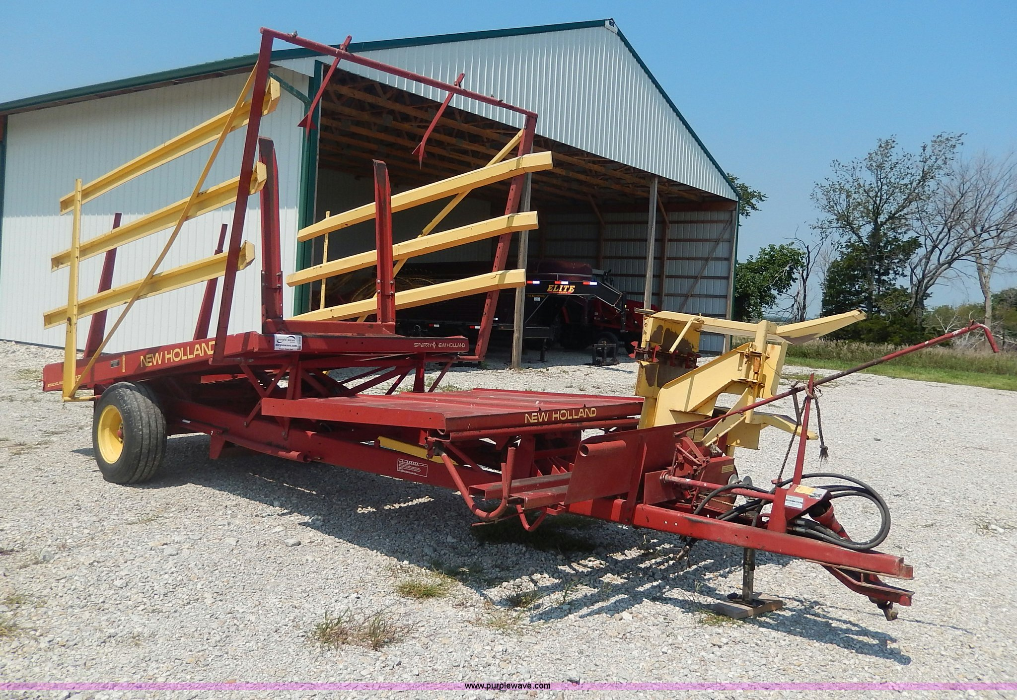 ... Holland 1002 Stackliner bale wagon Full size in new window ...