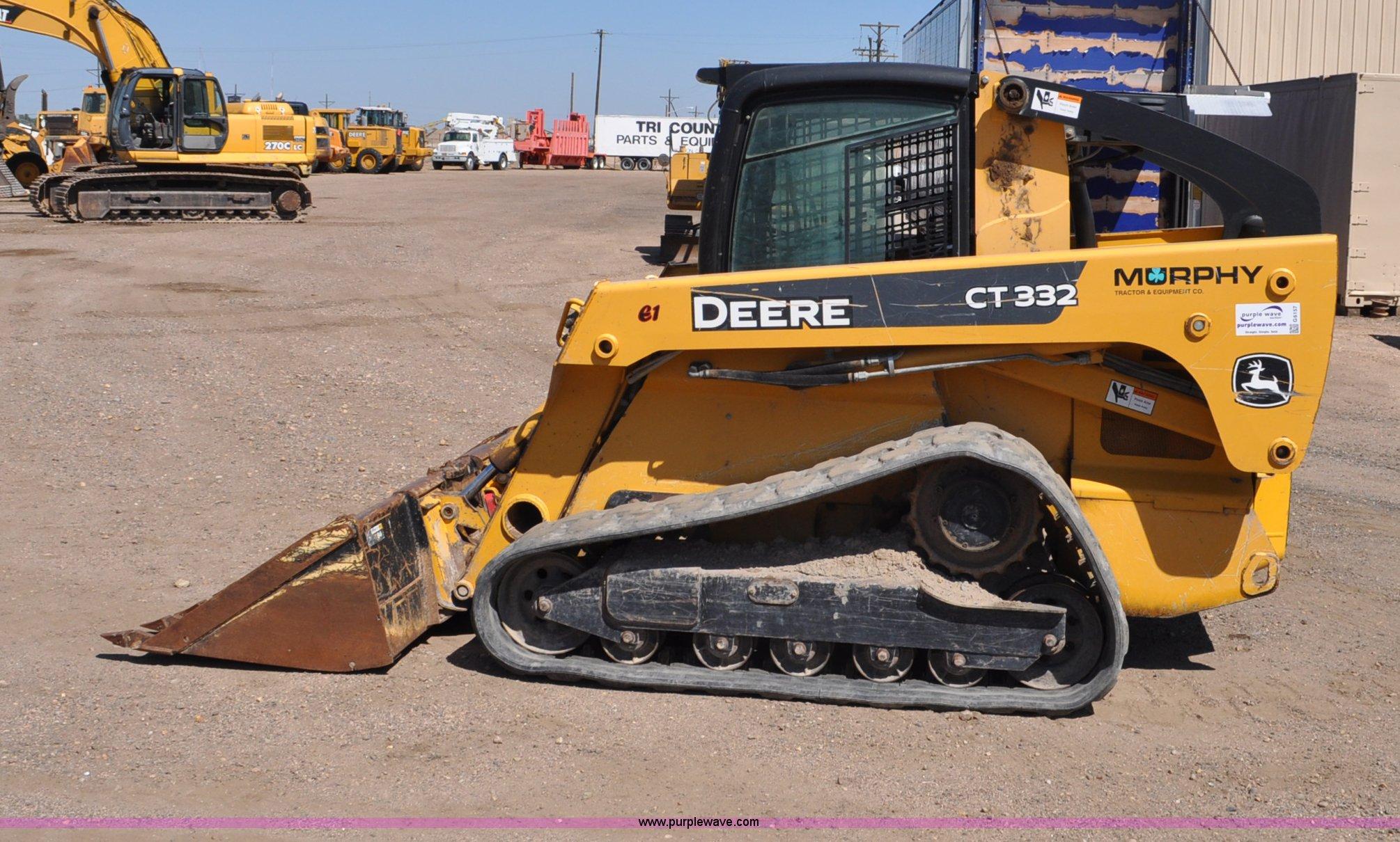 2006 John Deere CT332 track skid steer | Item G6157 | SOLD!