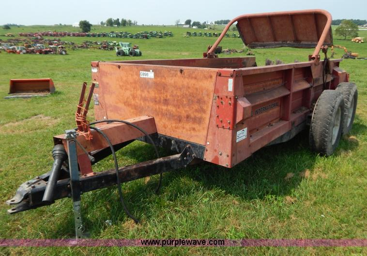 Ih Manure Spreader : Case ih manure spreader item g sold september