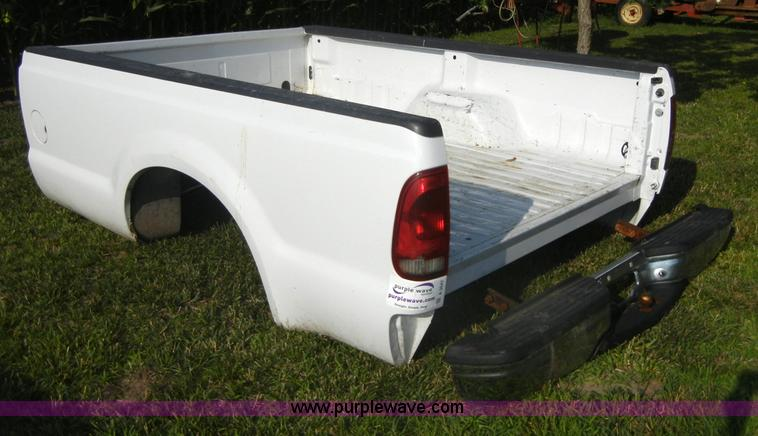 2000 Ford Super Duty Pickup Truck Bed With Bumper Item