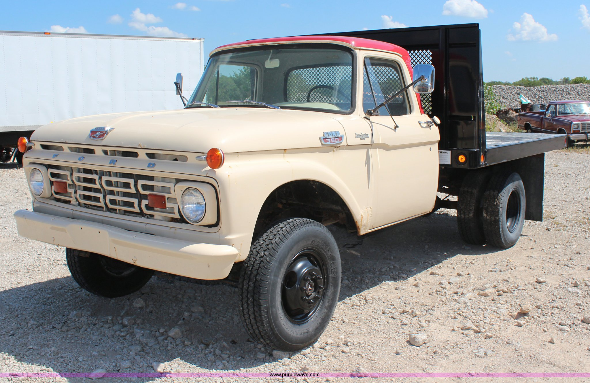 1964 Ford F350 Flatbed Truck Item H6923 Sold October 2