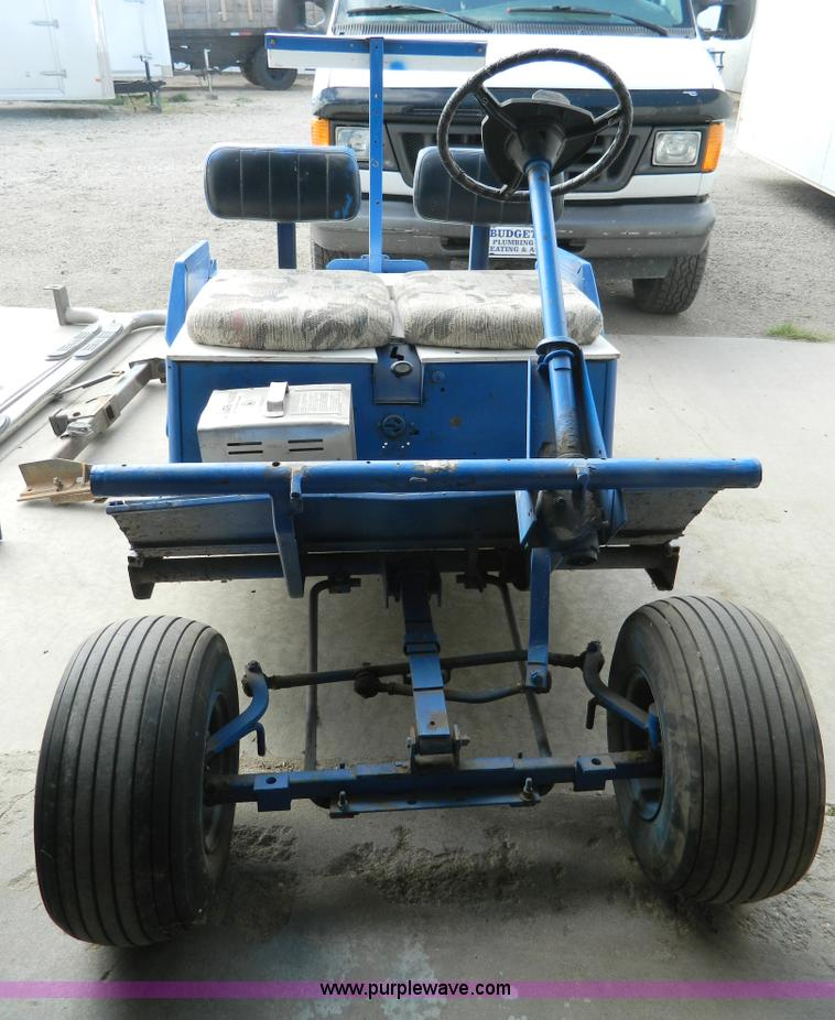 Cushman golf cart body frame | Item AD9581 | SOLD! October 1...