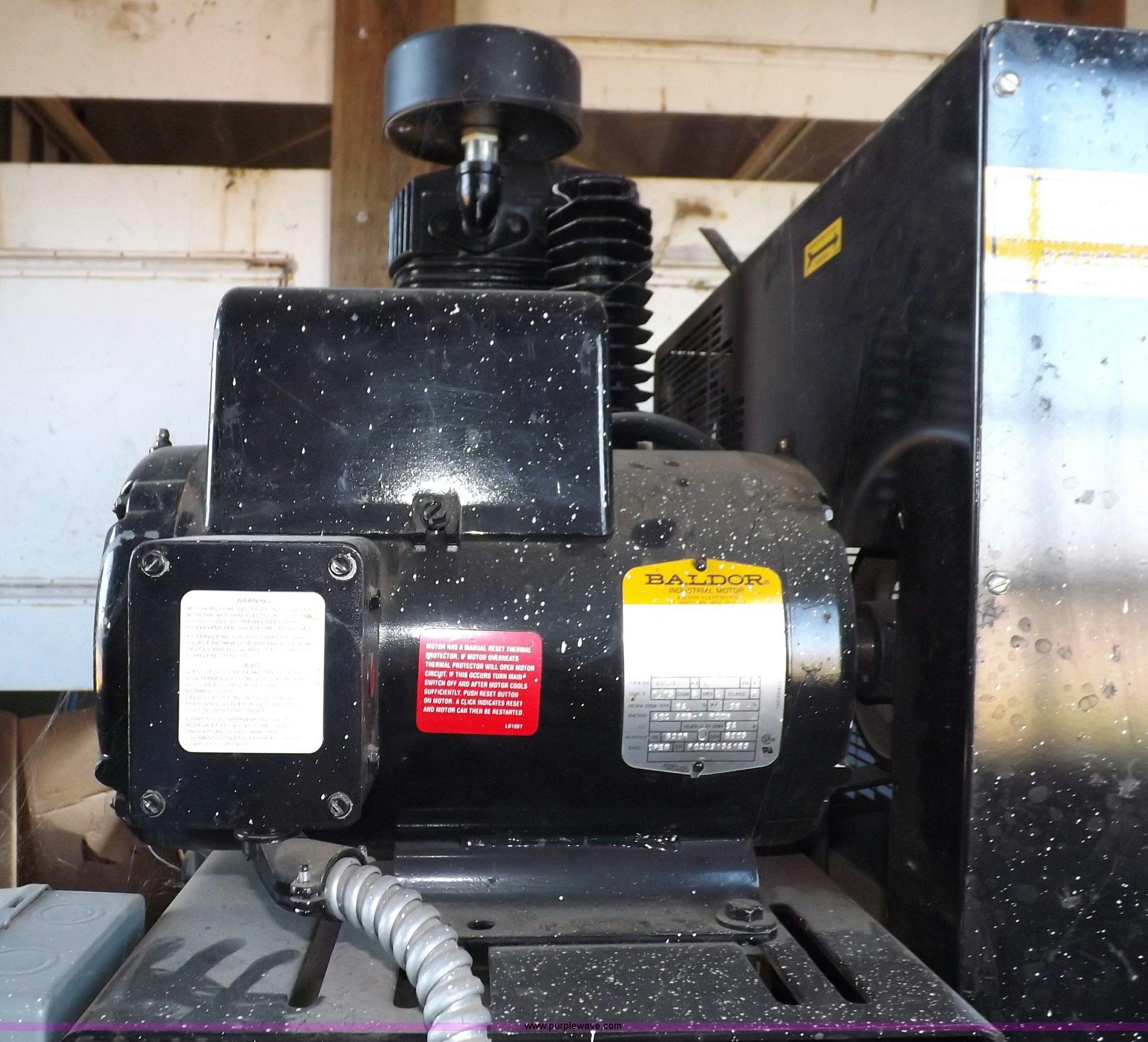 Classic C7180230 vertical air compressor | Item I7517 | SOLD