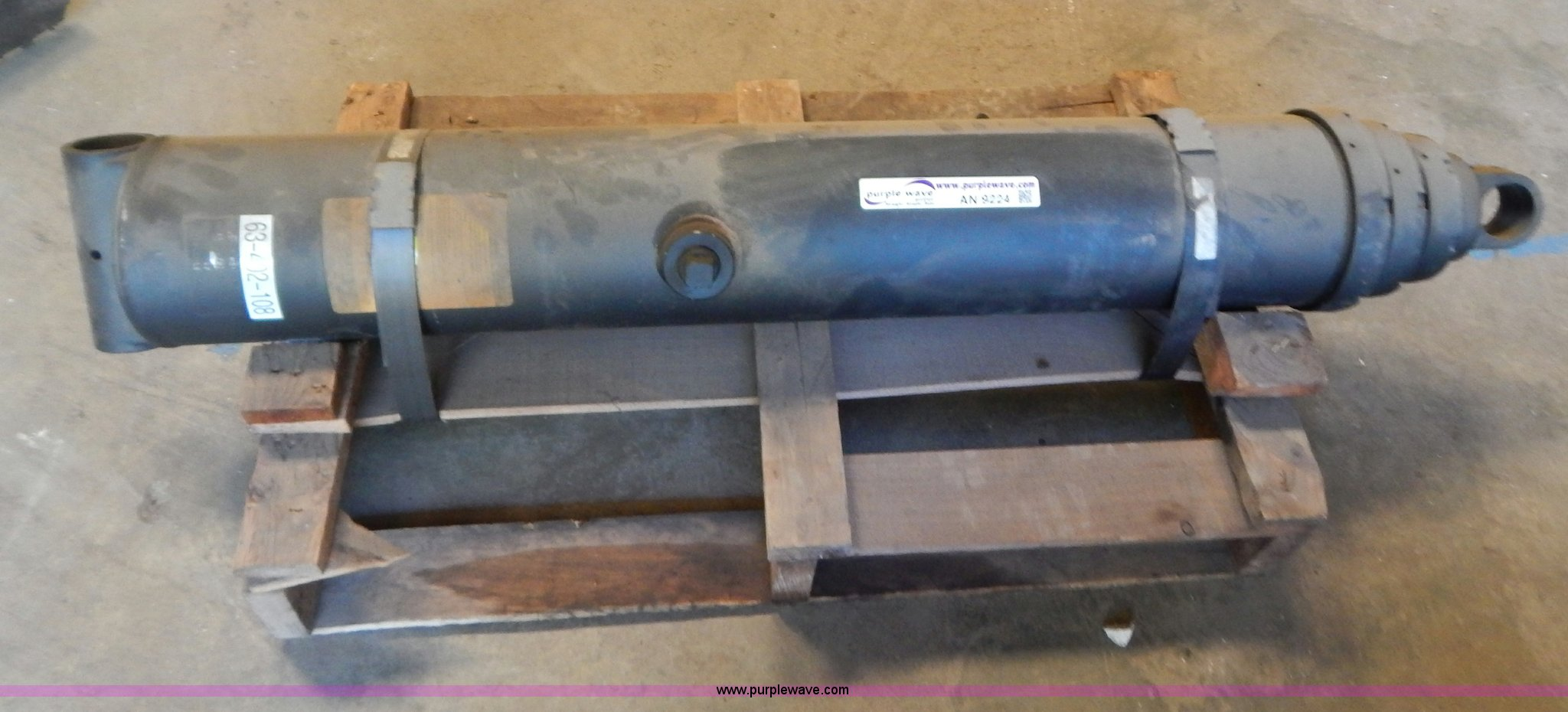 Three stage hydraulic lift cylinder | Item AN9224 | SOLD! Oc