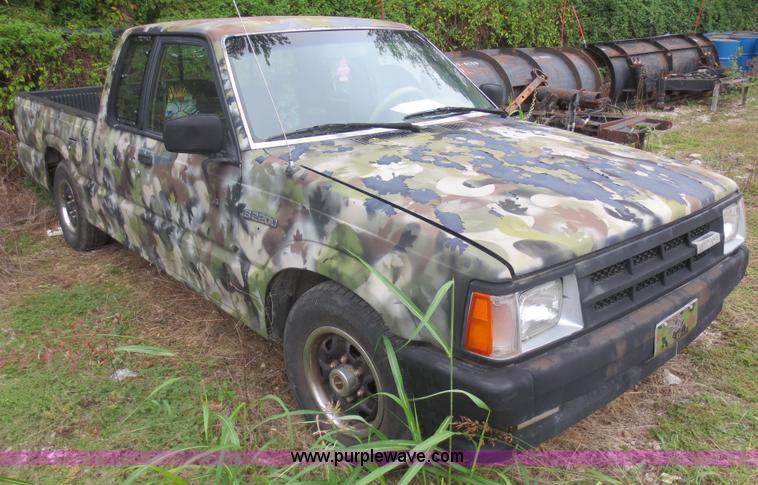 1990 Mazda B2200 Cab Plus Pickup Truck Item F6681 SOLD