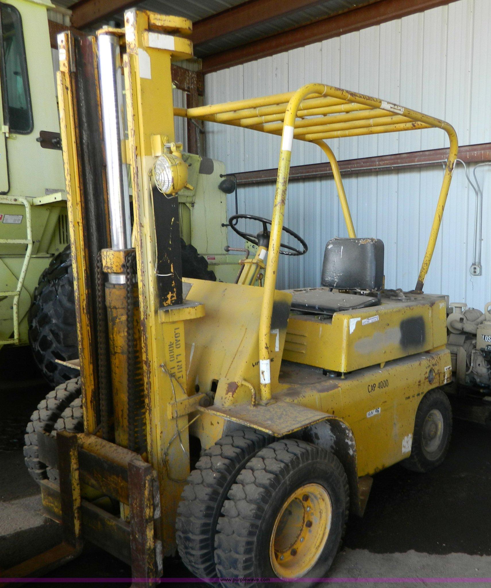 Baker Forklift In Salina Ks Item Az9196 Sold Purple Wave