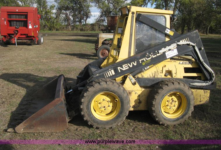 1988 New Holland L553 skid steer | Item H4475 | SOLD! Novemb