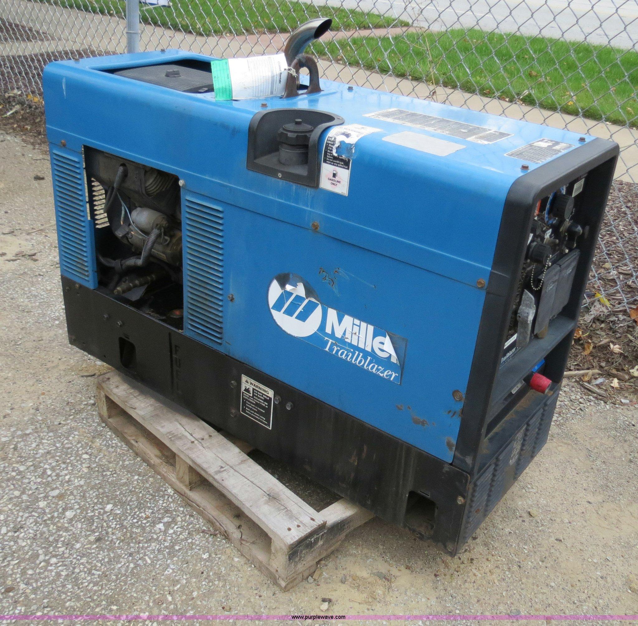 2002 Miller Trailblazer 301g Welder Generator Item B4776 Fuel Filter Full Size In New Window