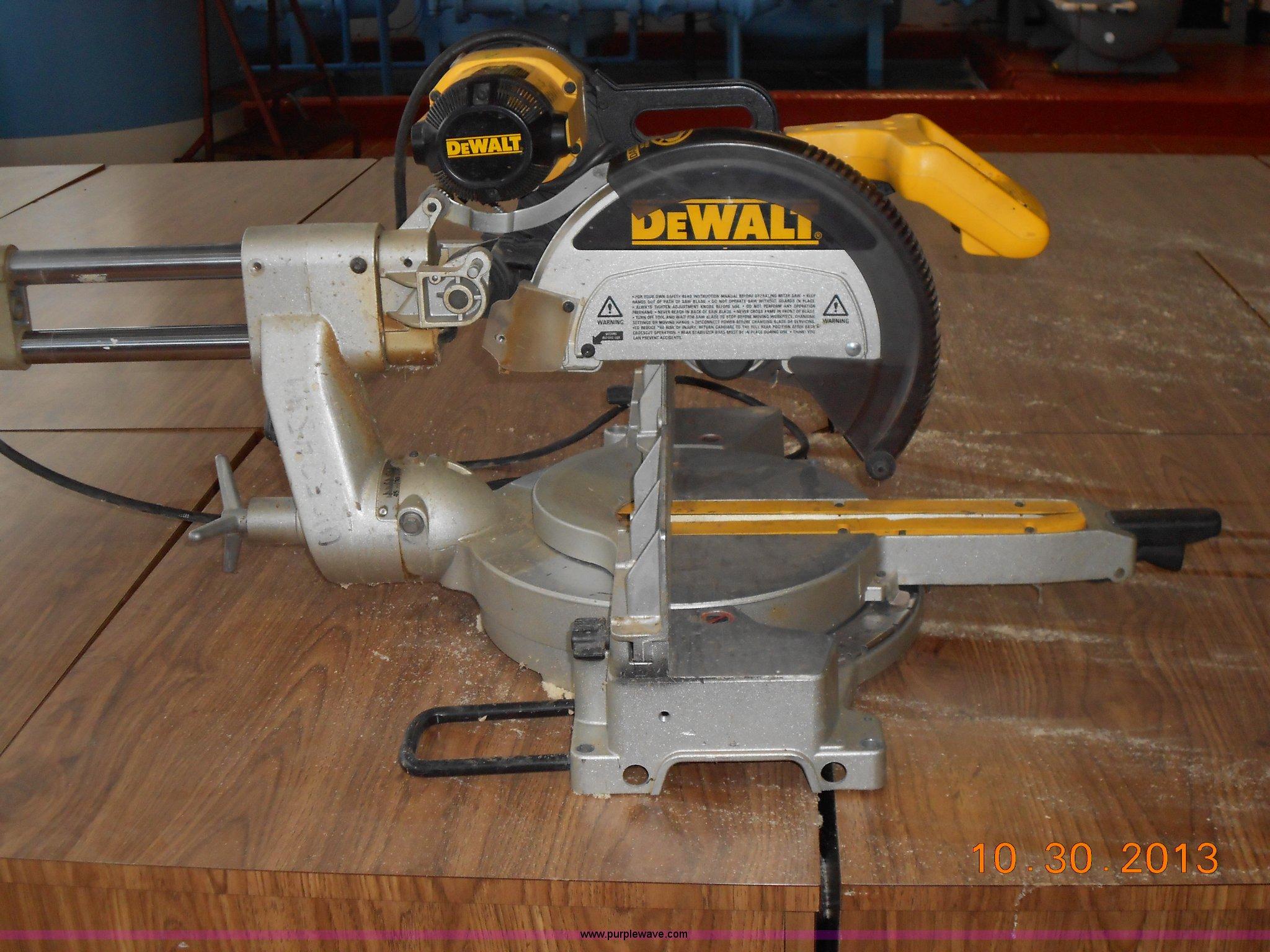 Dewalt Dw708 12 Sliding Compound Miter Saw In Winfield Ks Item C1642 Sold Purple Wave