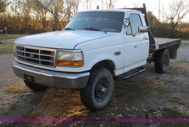 1992 Ford F250 HD Custom flatbed pickup truck Item F8020