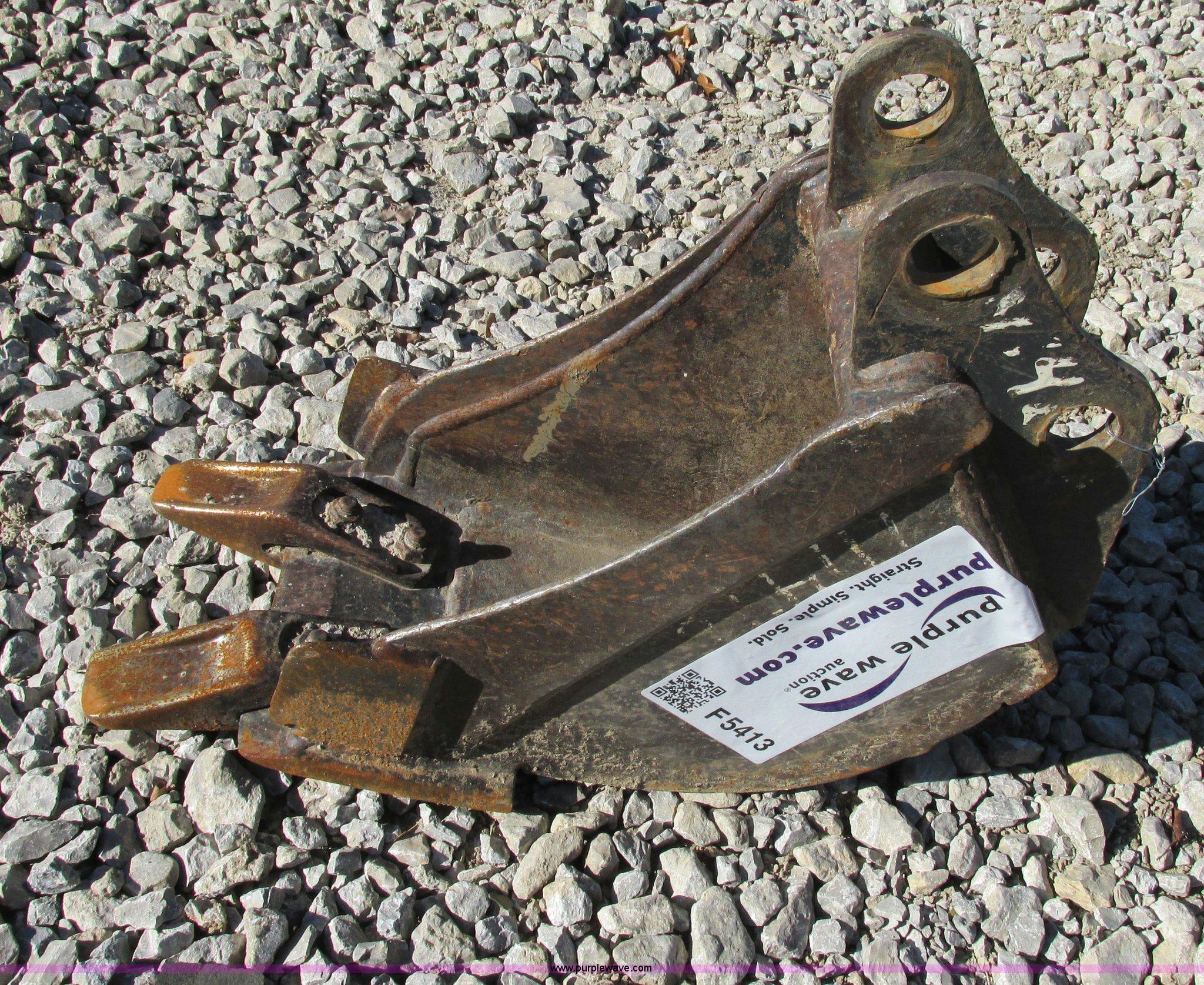 Bobcat 6715495 two tooth mini excavator bucket | Item F5413