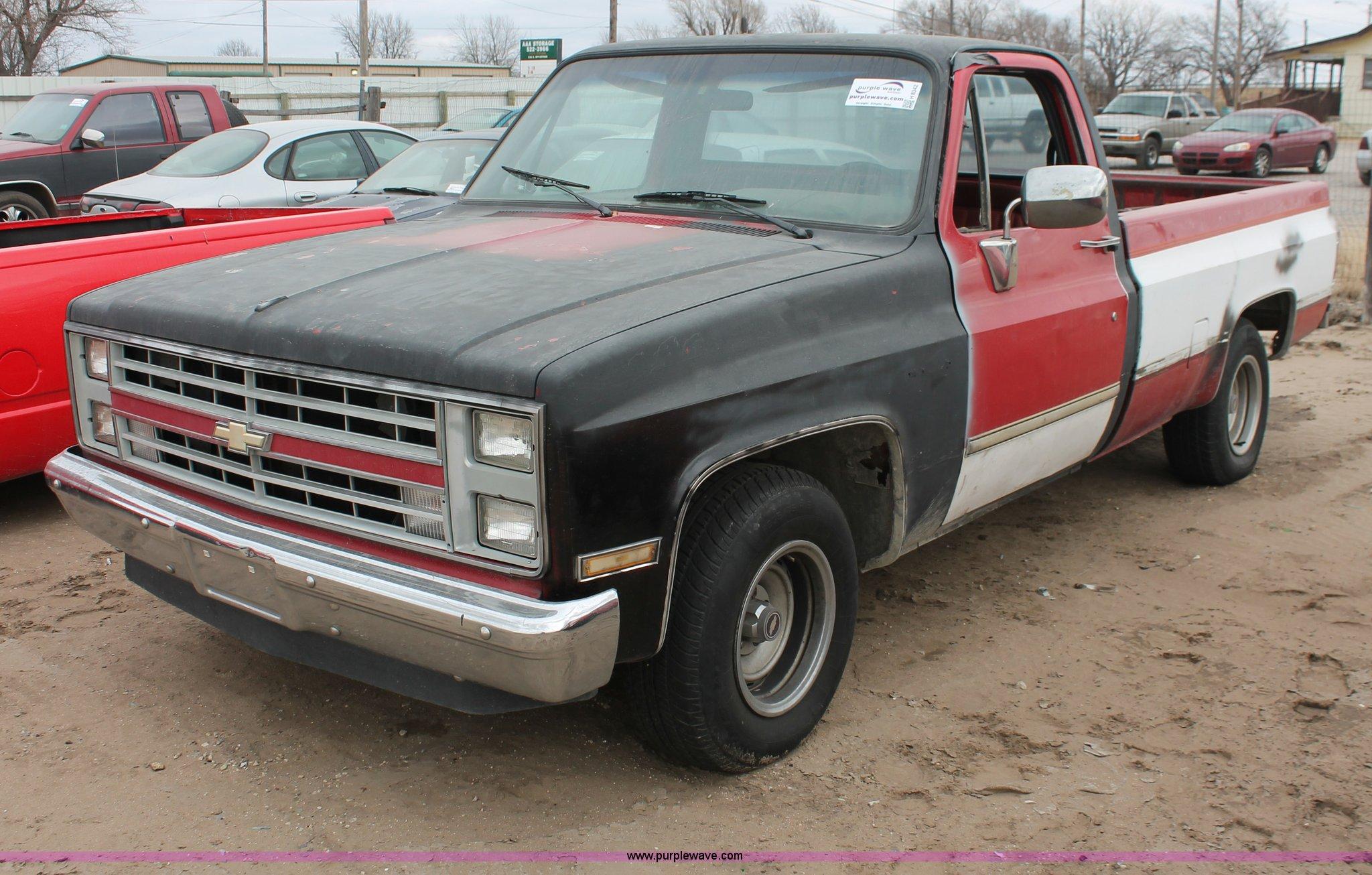 1987 Chevrolet Silverado R10 pickup truck Item H8342