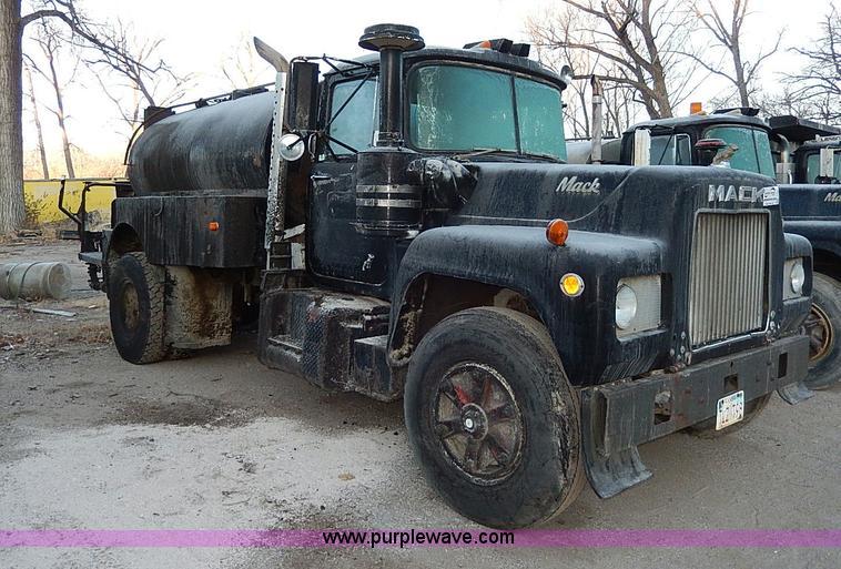 1969 mack truck wiring 1969 mack r600 oil distributor truck item i9476 1 16 2014  1969 mack r600 oil distributor truck