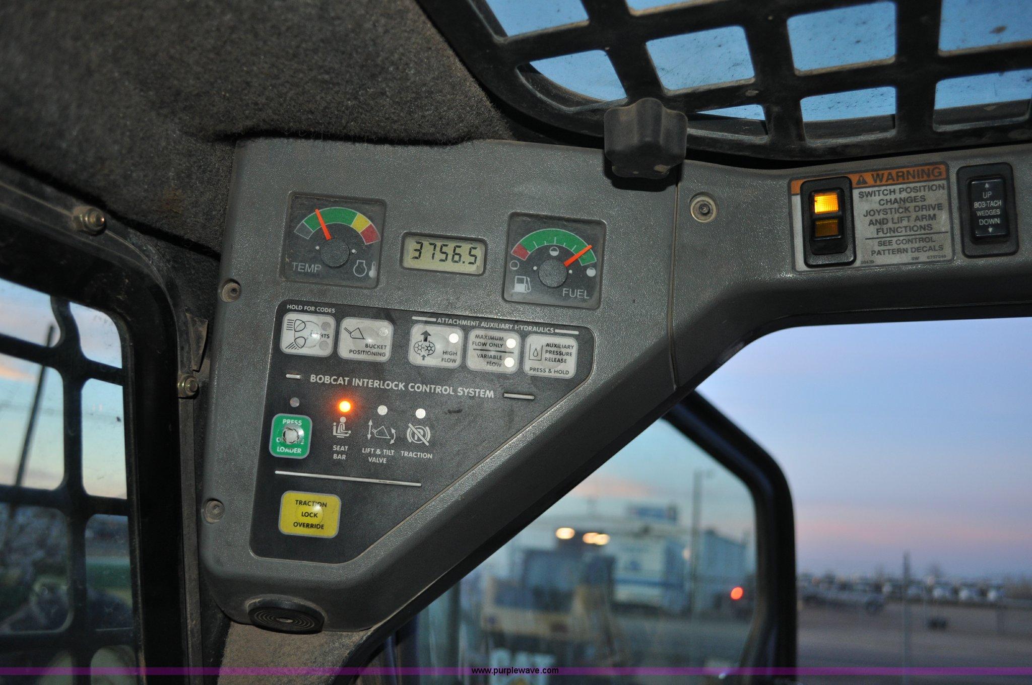 2008 Bobcat T320 track skid steer | Item G6353 | SOLD! Janua