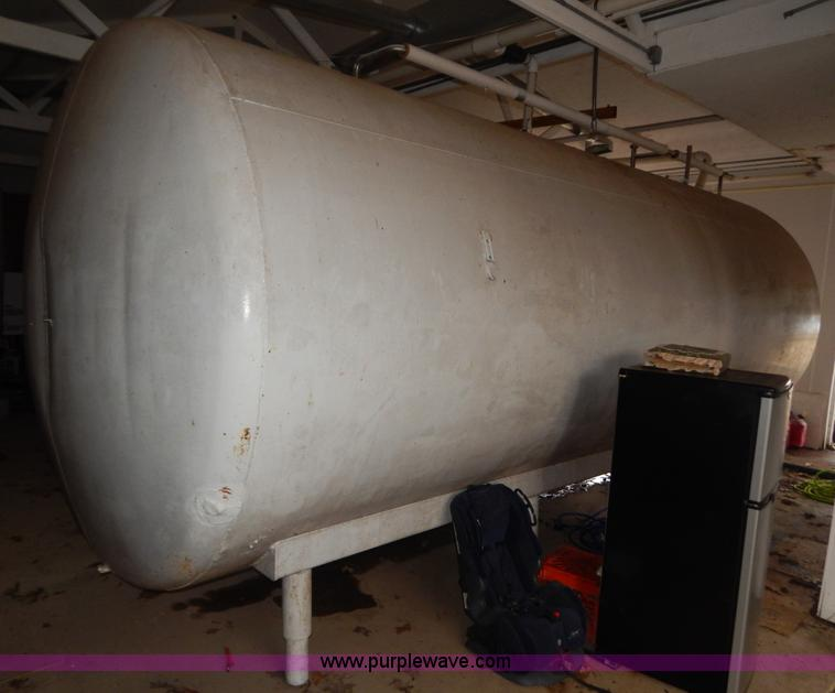 Jacketed 6,000 gallon stainless steel tank | Item H3843 | SO
