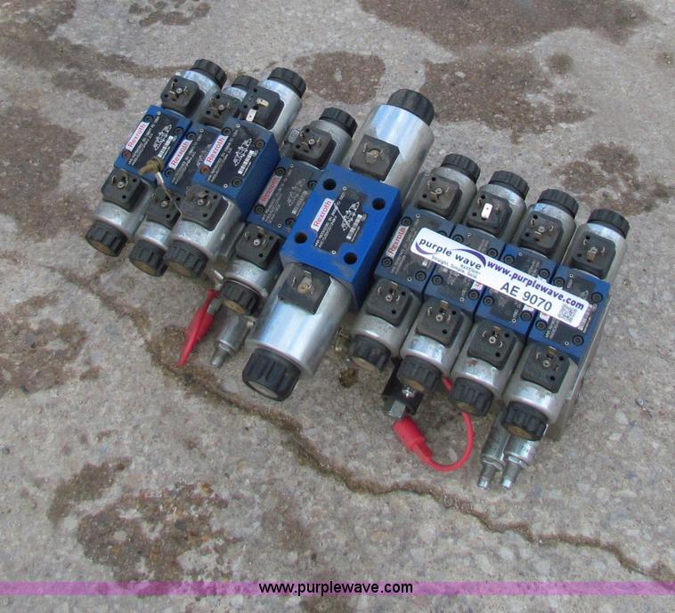 Jlg Hydraulic Pump : Electric over hydraulic control valve item ae