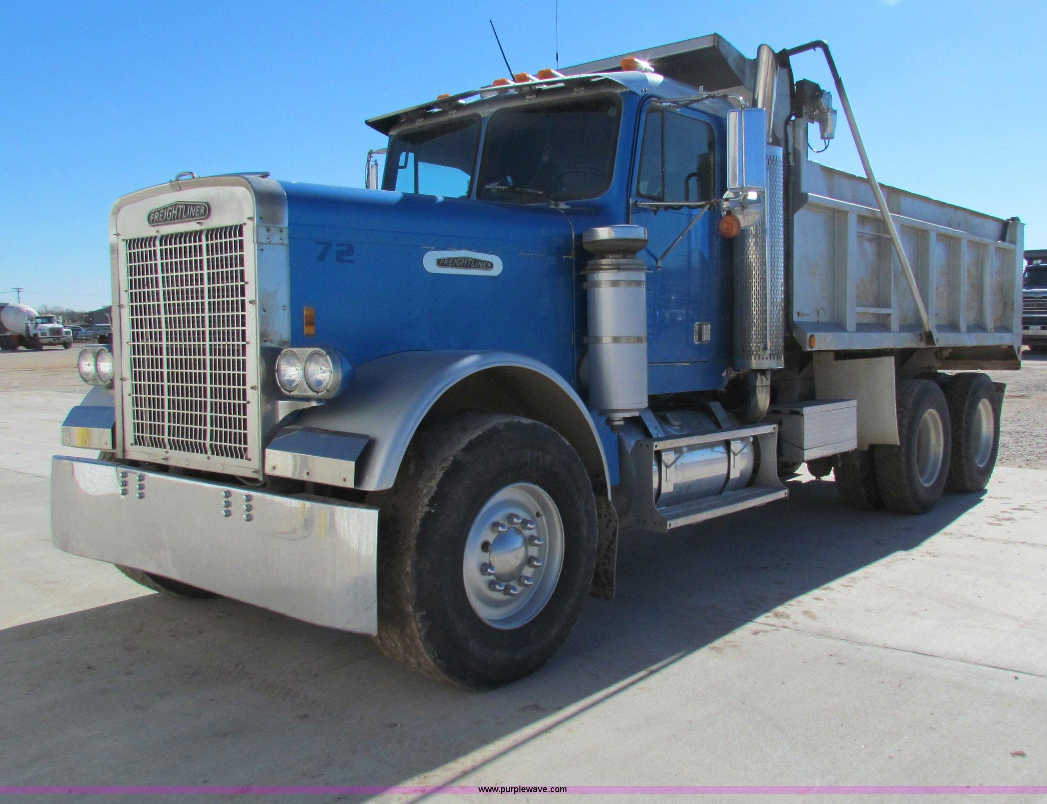 1982 Freightliner dump truck Item G4388
