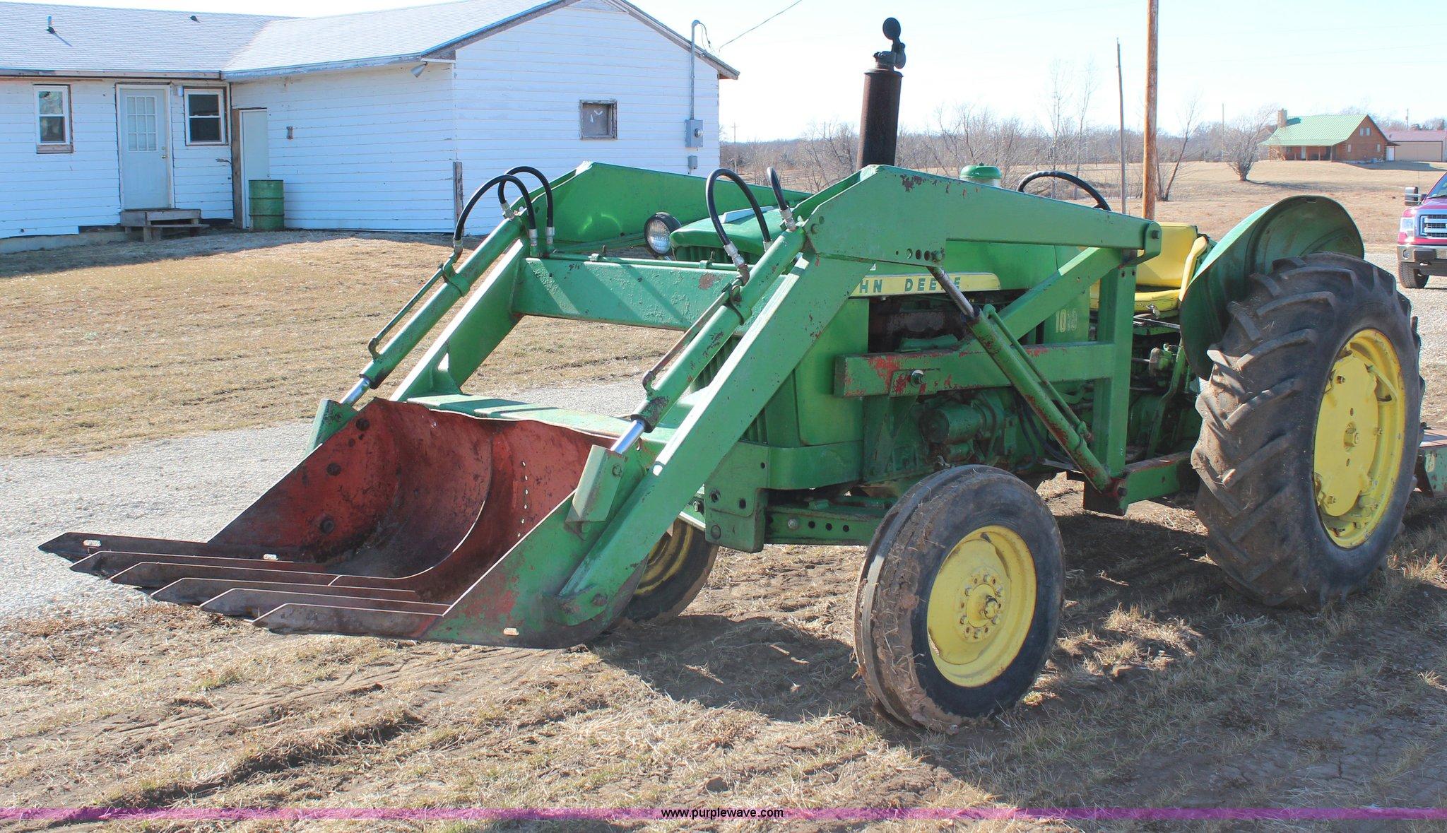 H1300 image for item H1300 1961 John Deere 1010 tractor ...