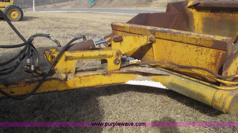 Reynolds pull type tandem scrapers | Item G2223 | SOLD! Febr