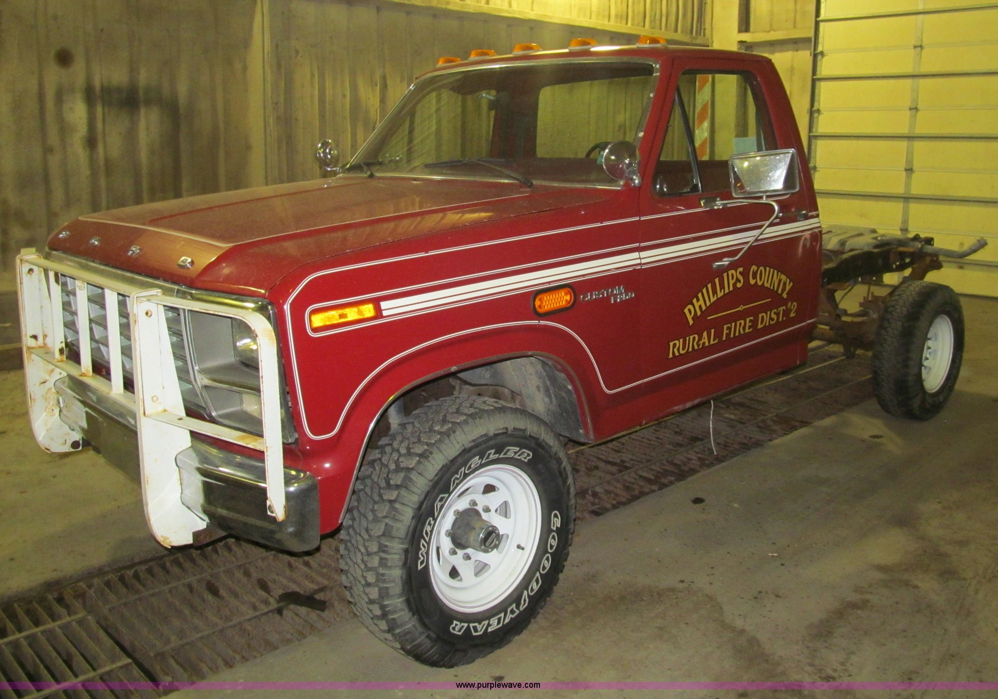1980 Ford F250 Custom Cab And Chassis Item G9584 Sold M