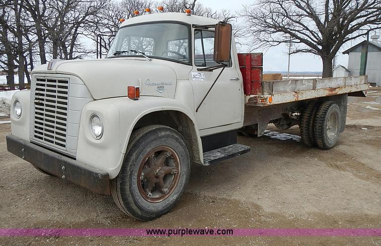 1969 International 1600 Grain Truck
