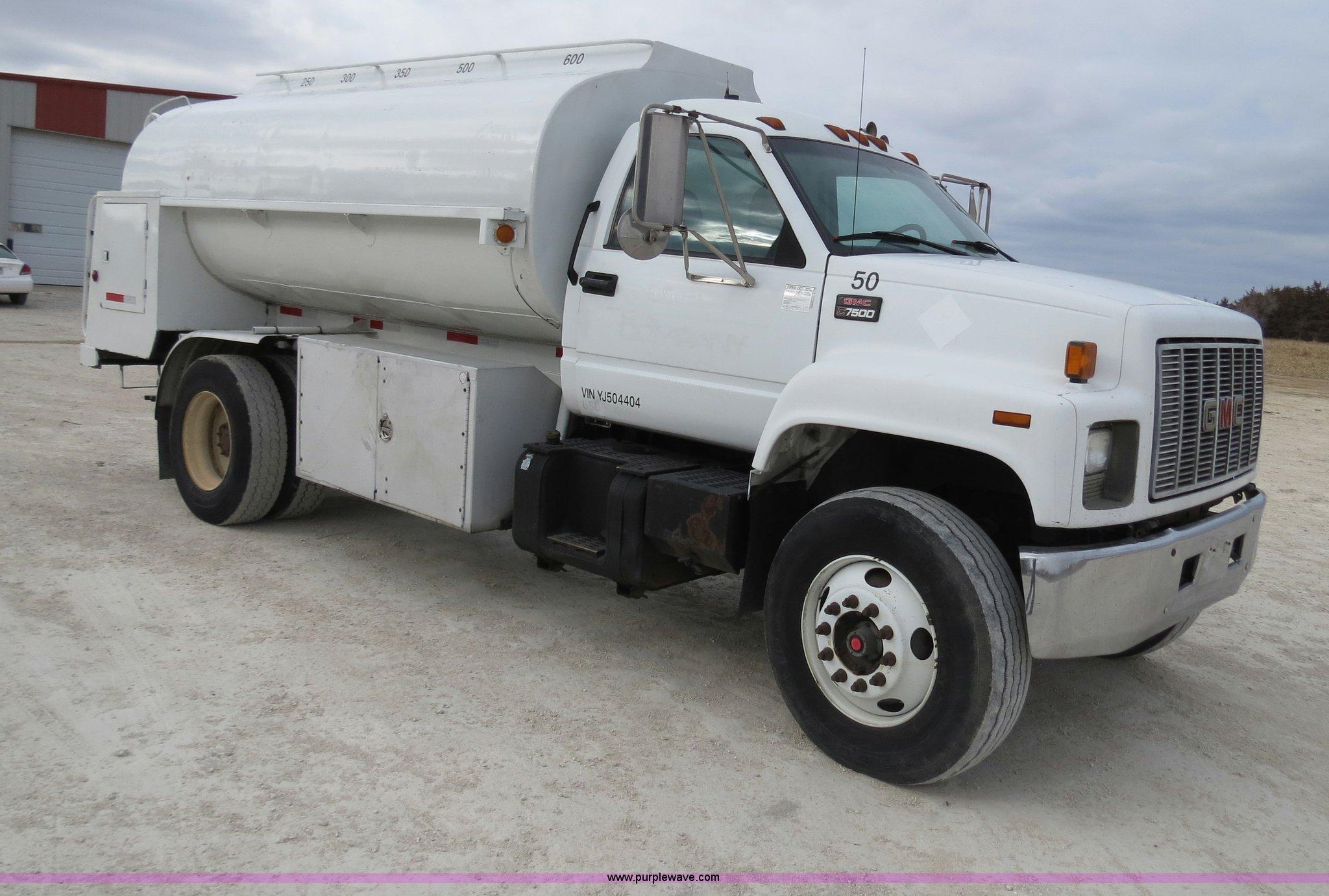 ... 2000 GMC C7500 fuel truck Full size in new window ...