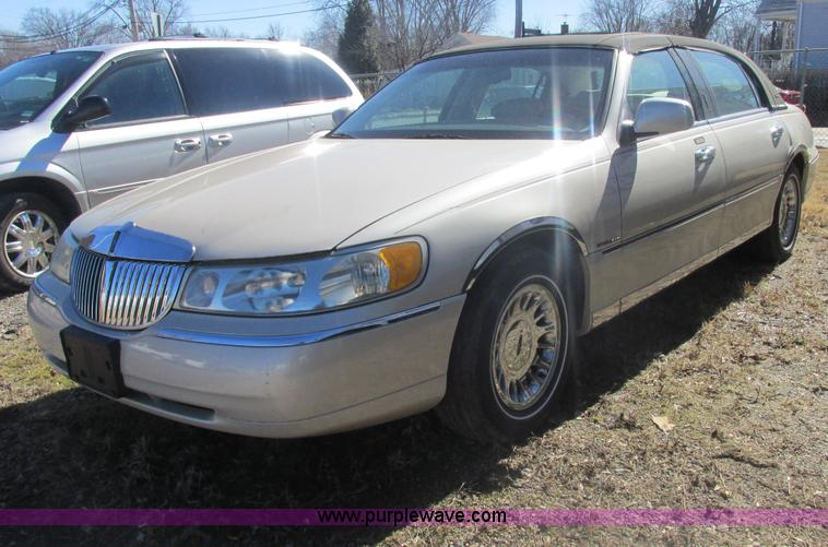 2000 lincoln town car cartier no reserve auction on wednesday march 19 2014. Black Bedroom Furniture Sets. Home Design Ideas