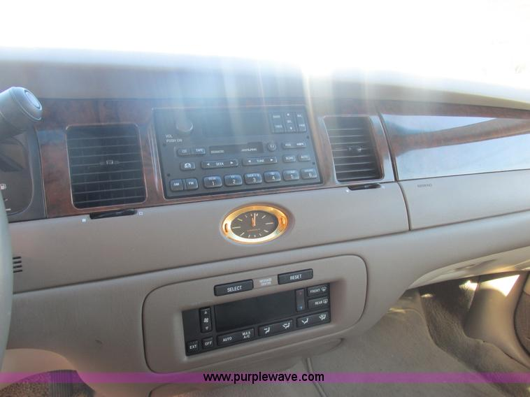 2000 Lincoln Town Car Cartier   Item H7722   SOLD! March 19