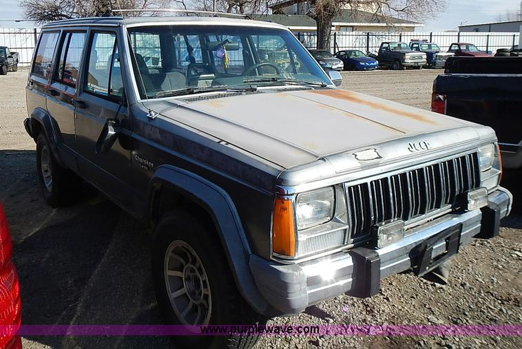 ... I9382 Image For Item I9382 1990 Jeep Grand Cherokee Laredo SUV
