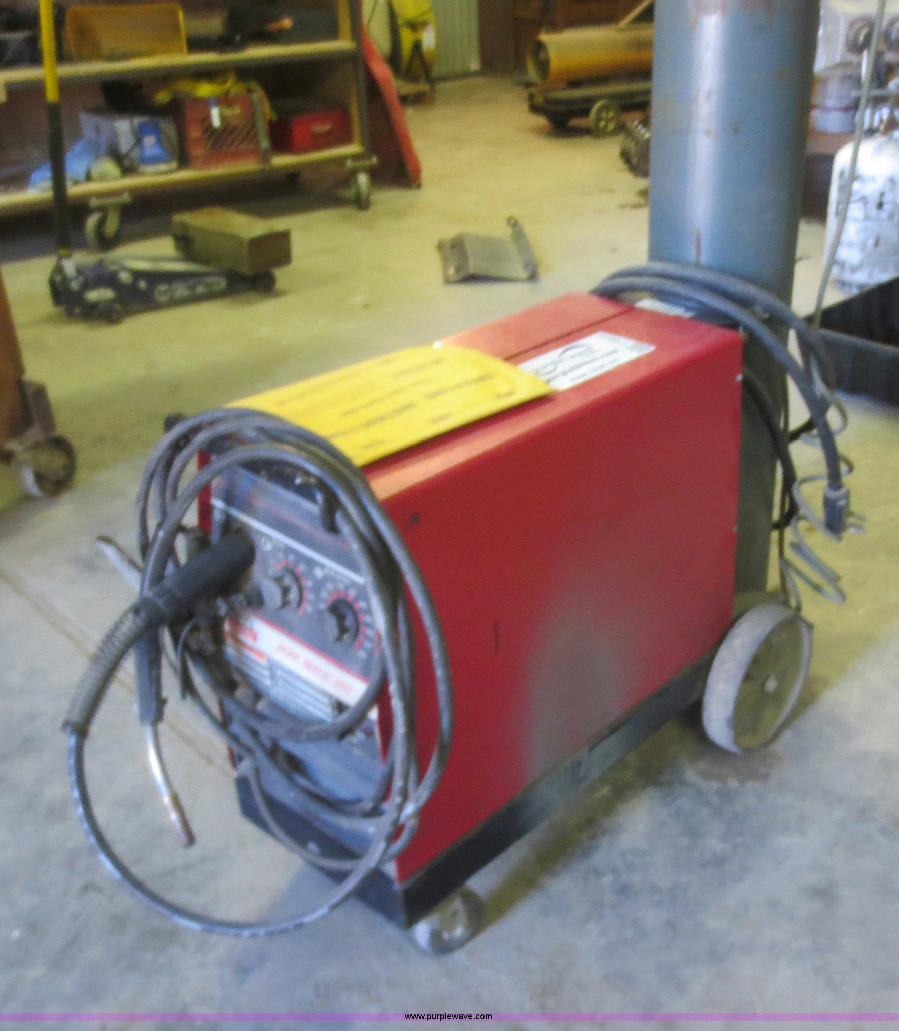 Lincoln Wire-Matic 250 MIG welder | Item F6819 | SOLD! March...