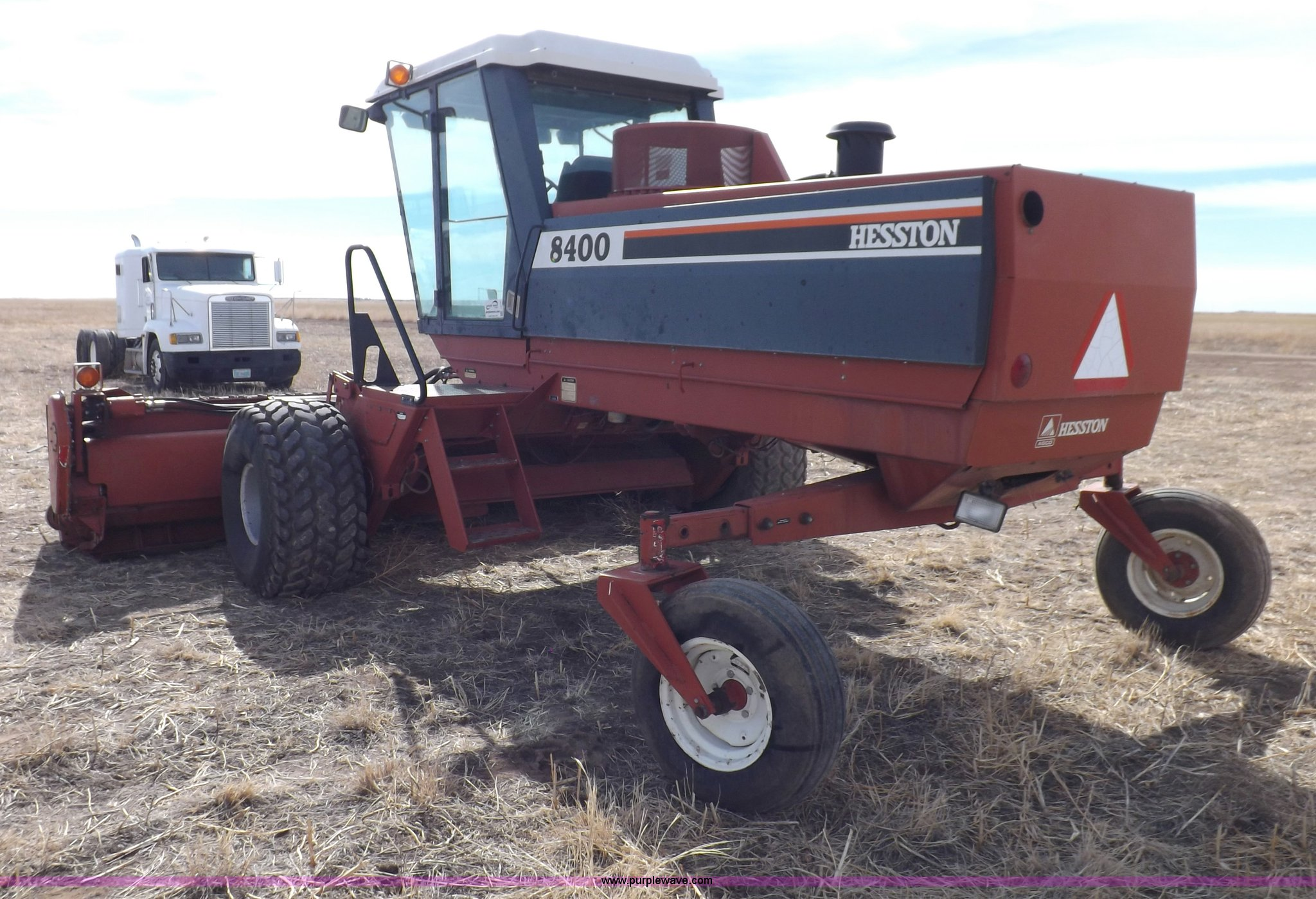 1994 Hesston 8400 swather | Item I9137 | SOLD! March 26 Ag E