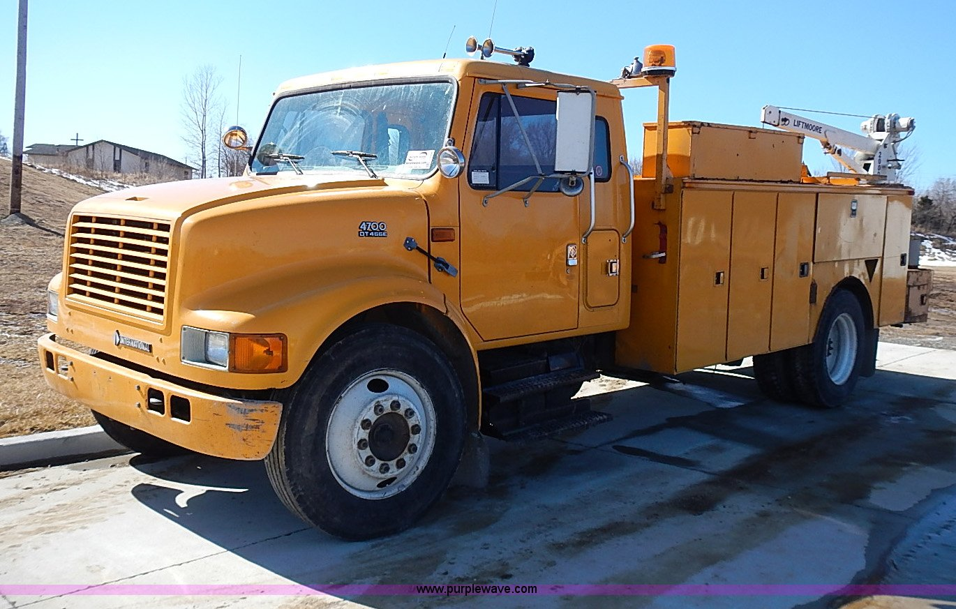 construction equipment auction in wichita kansas by. Black Bedroom Furniture Sets. Home Design Ideas