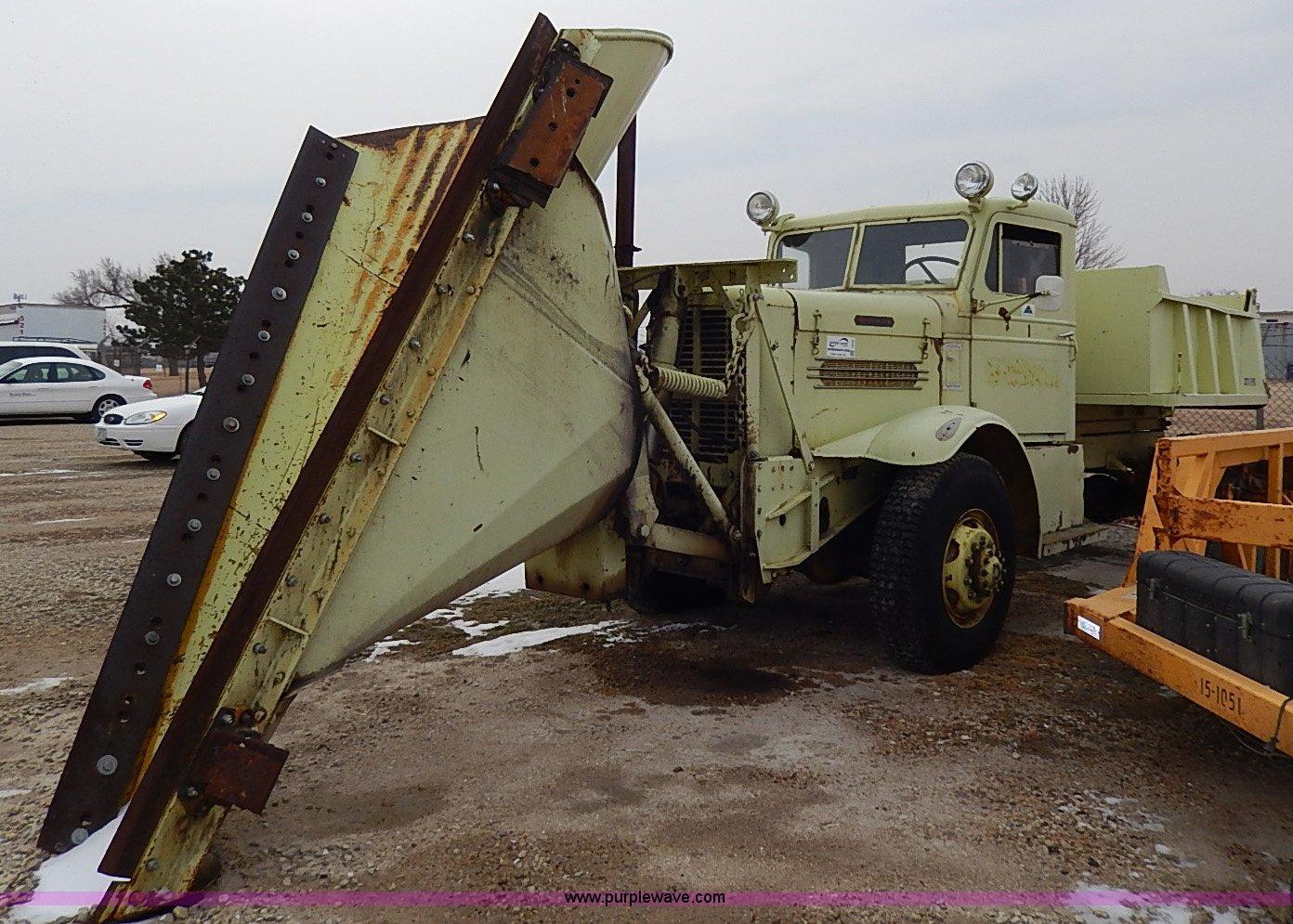 1952 Oshkosh Wa 703 Runway Snow Plow Vehicle In Salina Ks Item I9339 Sold Purple Wave