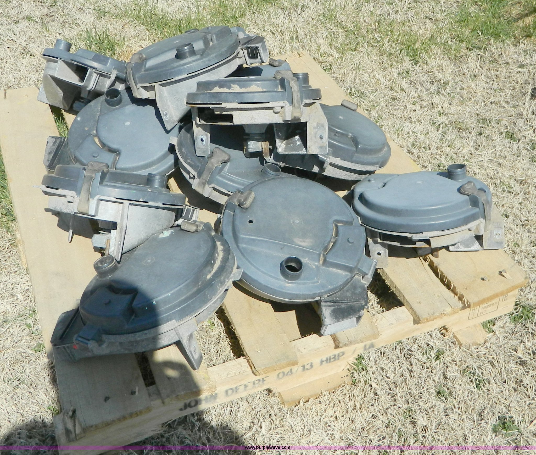 12 John Deere 7200 Series Planter Vacuum Meters Item Ad9