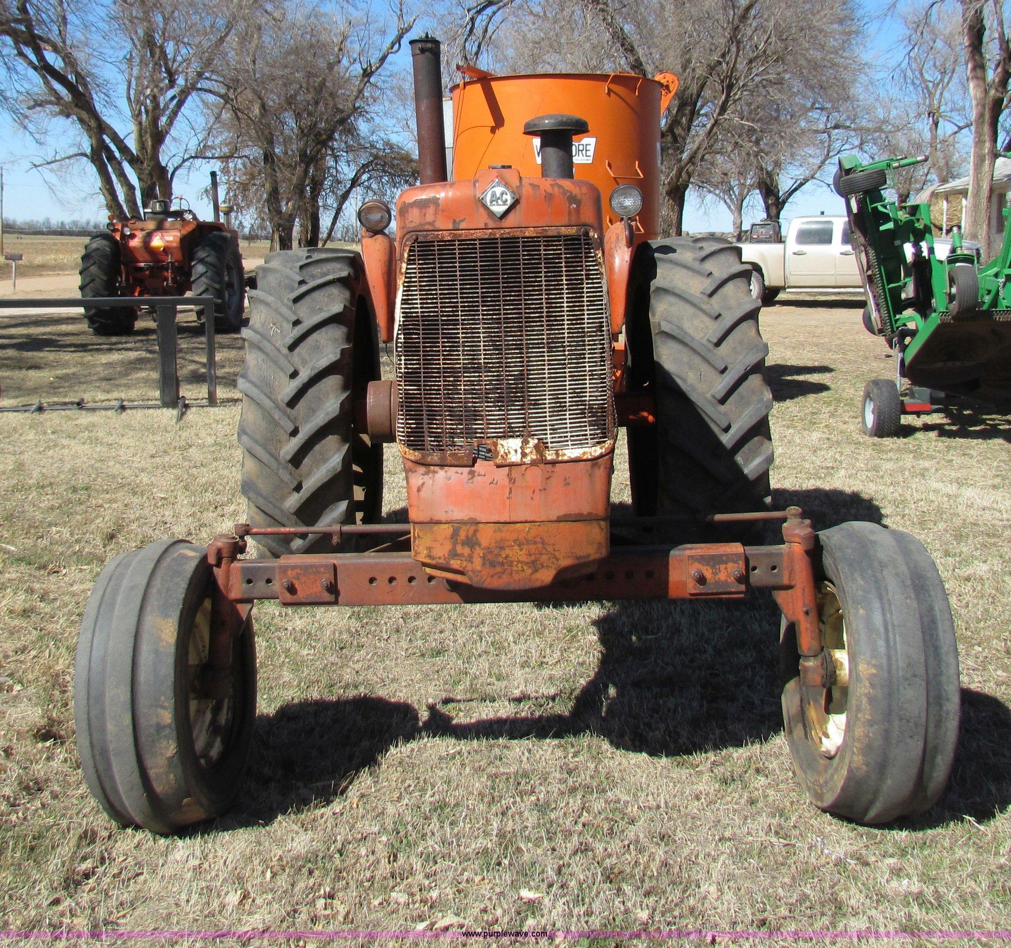 Allis Chalmers D19 tractor   Item I7479   SOLD! April 9 Ag E