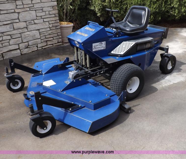 deines magnum ztr lawn mower item i9034 sold april 16 v rh purplewave com Grazer Mower 52 Grazer Mower Parts Diagram