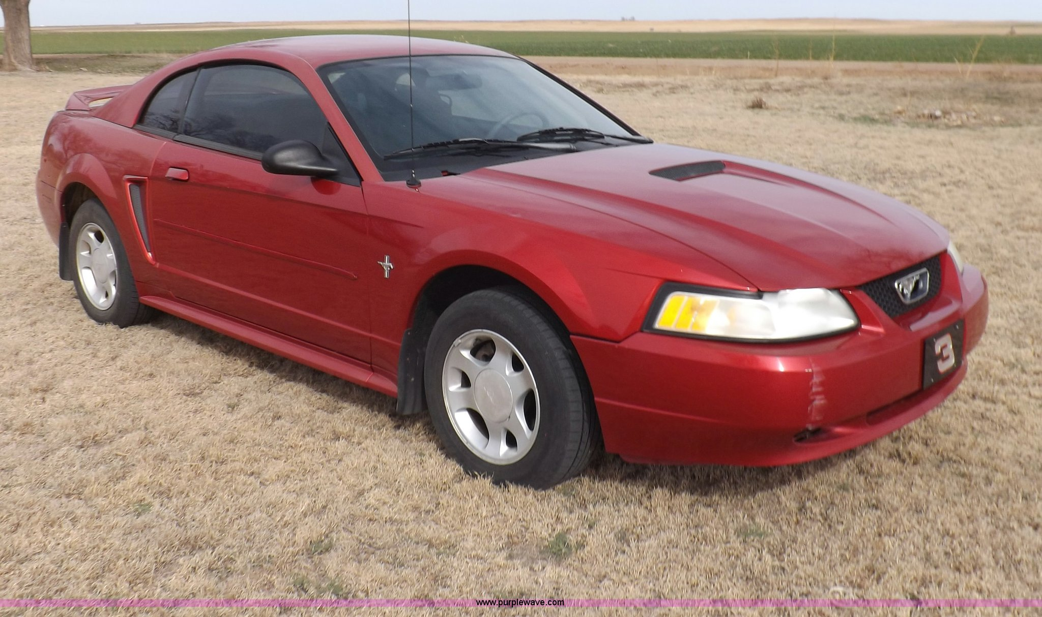 2000 ford mustang item i9033 sold april 16 vehicles. Black Bedroom Furniture Sets. Home Design Ideas