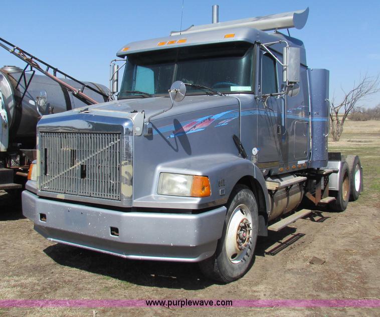 1995 volvo semi truck wiring 1995 volvo tractor truck wiring 1995 volvo dd94 semi truck   no-reserve auction on ... #4