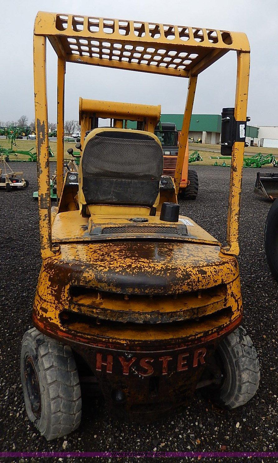 1960 Hyster 40 forklift | Item H6210 | SOLD! April 23 Ag Equ